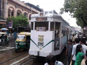Tram_-_Kolkata_2011-06-16_00384